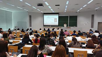 法政大学 キャリアデザイン学部の授業「キャリアモデルケーススタディー」にて、昨年に引き続き講演を行いました